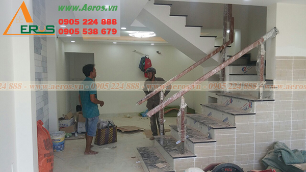 http://thietkeshopmypham.com.vn/upload/images/hien-trang-shop-my-pham-anh-hung-tai-quan-thu-duc-01.jpg