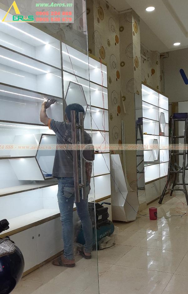 Hình ảnh thi công shop mỹ phẩm anh Tài ở quận 3, TPHCM