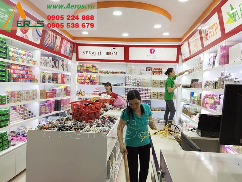 Hình ảnh thi công shop mỹ phẩm anh Ân ở quận 1, TPHCM