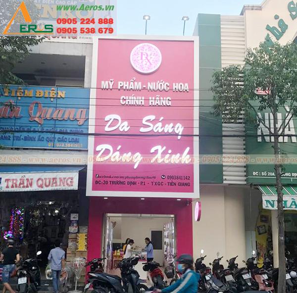 Hình ảnh thi công bảng hiệu shop mỹ phẩm anh Thuận, Tiền Giang