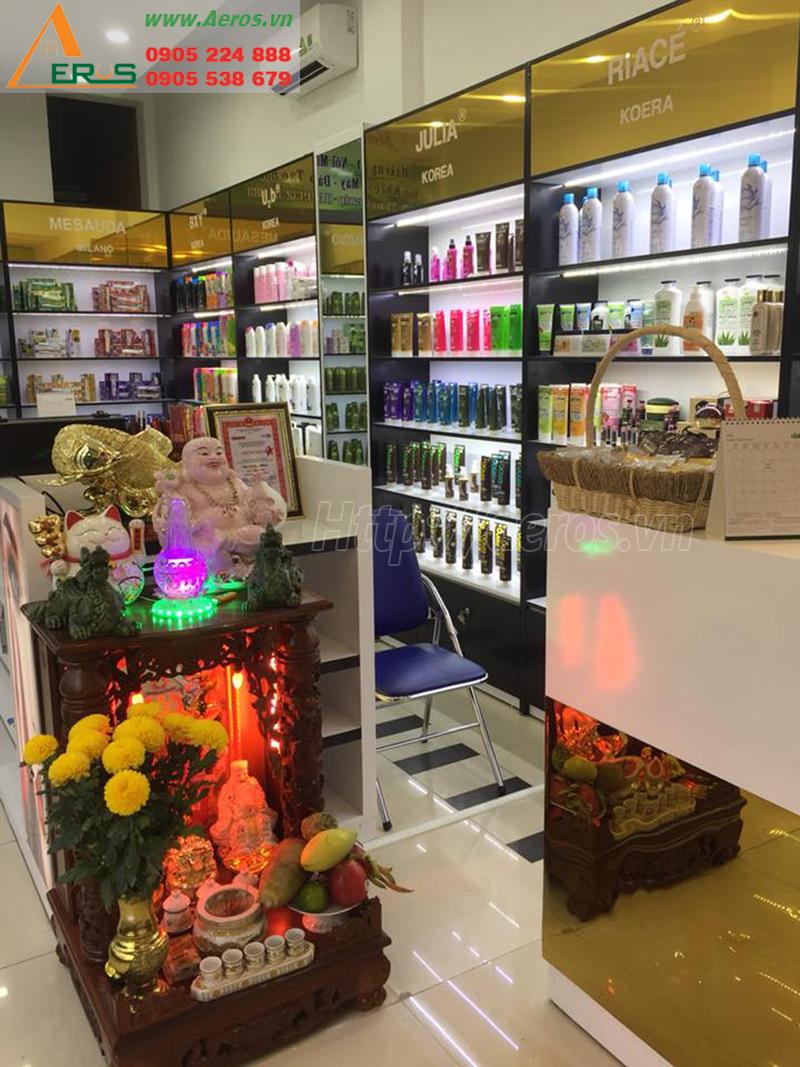 Hình ảnh thi công nội thất shop mỹ phẩm Tứ Phương ở quận Phú Nhuận, TPHCM